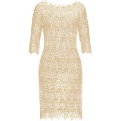 Sukienka bonprix kremowo-jasnobrązowy. Brązowe sukienki damskie bonprix, w koronkowe wzory, z koronki, eleganckie. Za 189.99 zł.