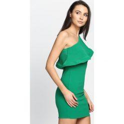 Zielona Sukienka Loves Me Like You Do. Zielone sukienki damskie Born2be, na lato. Za 64.99 zł.