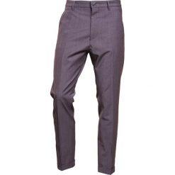 DRYKORN BREW Spodnie garniturowe grey. Spodnie materiałowe męskie DRYKORN, z elastanu. Za 549.00 zł.