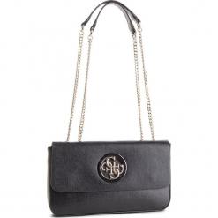 Torebka GUESS - HWVG7 186210 BLA. Czarne torebki do ręki damskie Guess, z aplikacjami, ze skóry ekologicznej. Za 589.00 zł.