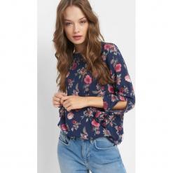 Bluzka w kwiaty. Niebieskie bluzki damskie Orsay, w kwiaty, z tkaniny. Za 69.99 zł.