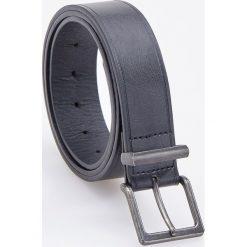 Pasek z metalową klamrą - Czarny. Czarne paski damskie Reserved, w paski. Za 59.99 zł.