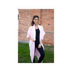 Różowy sweter damski, elegancki długi sweter asymetryczny, gruby, zimowy kardigan. Czerwone kardigany damskie Ekoszale. Za 189.00 zł.