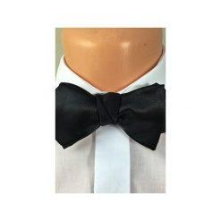 Czarna mucha satynowa jedwabna a'la Bond - diamond point. Czarne krawaty i muchy Manufaktura much, z jedwabiu, eleganckie. Za 124.00 zł.