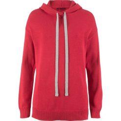 Sweter dzianinowy z kapturem bonprix czerwony. Swetry damskie marki bonprix. Za 59.99 zł.