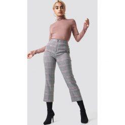 NA-KD Classic Spodnie z rozcięciem z tyłu - Grey. Szare spodnie materiałowe damskie NA-KD Classic. Za 161.95 zł.