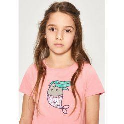 T-shirt z cekinową aplikacją pusheen - Pomarańczo. T-shirty i topy dla dziewczynek Reserved, z aplikacjami. W wyprzedaży za 19.99 zł.