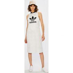 Adidas Originals - Sukienka. Szare sukienki damskie adidas Originals, z nadrukiem, z dzianiny, casualowe. W wyprzedaży za 199.90 zł.