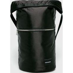 Calvin Klein Jeans - Torebka. Czarne torby na ramię damskie Calvin Klein Jeans. Za 549.90 zł.