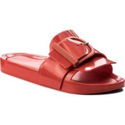 Klapki MELISSA - Beach Slide IV Ad 32286 Red 01371. Czerwone klapki damskie Melissa, z tworzywa sztucznego. W wyprzedaży za 229.00 zł.