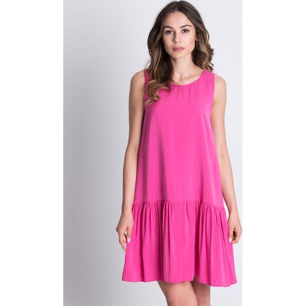 d7c76c2834 Różowa sukienka bez rękawów z szeroką falbaną BIALCON - Sukienki ...