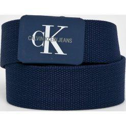 Calvin Klein Jeans - Pasek. Niebieskie paski damskie Calvin Klein Jeans, w paski, z jeansu. Za 159.90 zł.