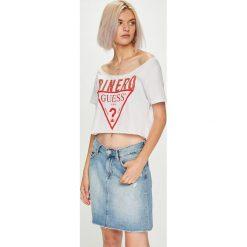 Guess Jeans - Top. Szare topy damskie Guess Jeans, z nadrukiem, z bawełny, z okrągłym kołnierzem, z krótkim rękawem. Za 199.90 zł.