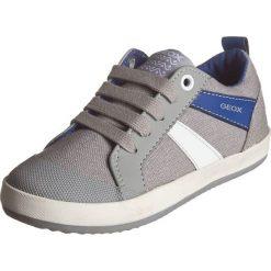 """Sneakersy """"Kiwi"""" w kolorze szarym. Szare trampki i tenisówki chłopięce Geox Kids, z gumy. W wyprzedaży za 125.95 zł."""