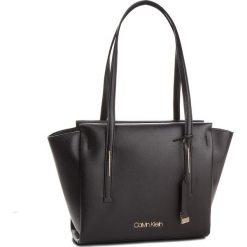 Torebka CALVIN KLEIN - Frame Med Shopper K60K604596 001. Czarne torby na ramię damskie Calvin Klein. Za 599.00 zł.