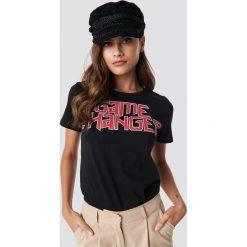NA-KD T-shirt Game Changer - Black. Czarne t-shirty damskie NA-KD, z nadrukiem, z bawełny, z okrągłym kołnierzem. Za 72.95 zł.
