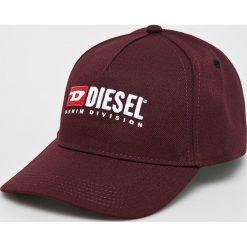 Diesel - Czapka. Brązowe czapki i kapelusze damskie Diesel, z poliesteru. W wyprzedaży za 229.90 zł.