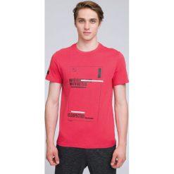 T-shirt męski  TSM221 - koral. Różowe t-shirty męskie 4f, na lato, z bawełny. W wyprzedaży za 39.99 zł.
