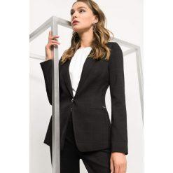 Taliowana marynarka w kratę. Czarne żakiety damskie Orsay, w kratkę, z elastanu, eleganckie. Za 169.99 zł.