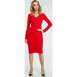 Sukienka tuba w prążki moe393. Czerwone sukienki damskie MOE, w prążki, z materiału, biznesowe. Za 139.00 zł.