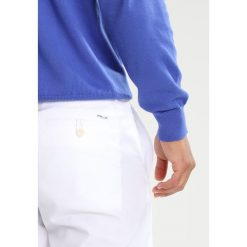 Polo Ralph Lauren Golf TAILOREDFIT  Spodnie materiałowe white. Spodnie materiałowe męskie marki House. Za 549.00 zł.