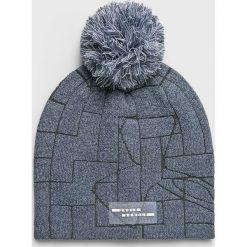 Under Armour - Czapka. Szare czapki i kapelusze damskie Under Armour, z dzianiny. W wyprzedaży za 99.90 zł.