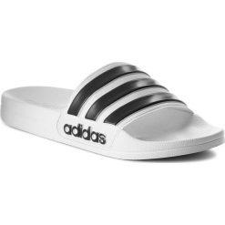 Klapki adidas - adilette Shower AQ1702 Ftwwht/Cblack/Ftwwht. Białe klapki damskie Adidas, z tworzywa sztucznego. Za 99.95 zł.