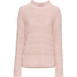 Sweter bonprix jasnoróżowy. Czerwone swetry damskie bonprix, z dzianiny, ze stójką. Za 69.99 zł.