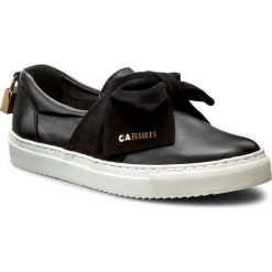 Półbuty CARINII - B3853 E50-360-000-B67. Czarne półbuty damskie Carinii, z nubiku. W wyprzedaży za 239.00 zł.
