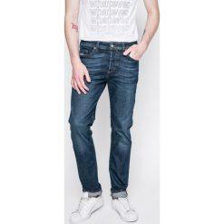 Diesel - Jeansy Buster. Niebieskie jeansy męskie Diesel. W wyprzedaży za 399.90 zł.