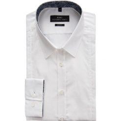 Koszula FRANCESCO 14-11-01. Białe koszule męskie Giacomo Conti, z bawełny, z klasycznym kołnierzykiem. Za 169.00 zł.