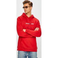 Tommy Jeans - Bluza. Czerwone bluzy męskie Tommy Jeans, z aplikacjami, z bawełny. Za 449.90 zł.