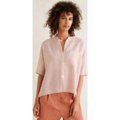 Mango - Koszula Koramia. Różowe koszule damskie Mango, z poliesteru, z krótkim rękawem. W wyprzedaży za 89.90 zł.