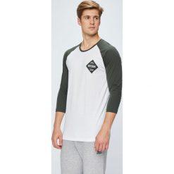 Reebok - Longsleeve. Szare bluzki z długim rękawem męskie Reebok, z bawełny, z okrągłym kołnierzem. W wyprzedaży za 119.90 zł.