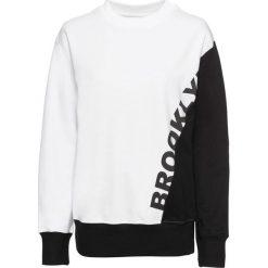 Bluza z nadrukiem bonprix biało-czarny. Bluzy damskie marki KALENJI. Za 59.99 zł.
