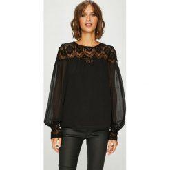 Vero Moda - Bluzka Vennessa. Czarne bluzki damskie Vero Moda, z aplikacjami, z koronki, casualowe, z okrągłym kołnierzem. Za 169.90 zł.