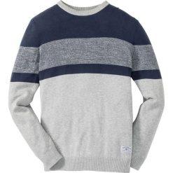 Sweter w paski Regular Fit bonprix jasnoszary melanż + ciemnoniebieski. Niebieskie swetry przez głowę męskie bonprix, melanż. Za 74.99 zł.