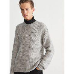 Sweter z okrągłym dekoltem - Jasny szar. Swetry przez głowę męskie marki Giacomo Conti. W wyprzedaży za 79.99 zł.