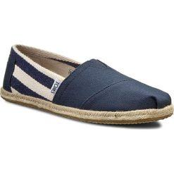 Espadryle TOMS - Classic 10005419 Navy Stripe. Niebieskie espadryle damskie Toms, z materiału. W wyprzedaży za 169.00 zł.