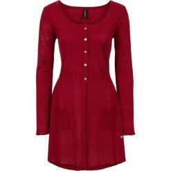 Długi sweter rozpinany bonprix ciemnoczerwony. Kardigany damskie marki bonprix. Za 59.99 zł.