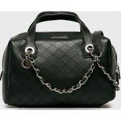 Monnari - Torebka. Czarne torby na ramię damskie Monnari. W wyprzedaży za 149.90 zł.
