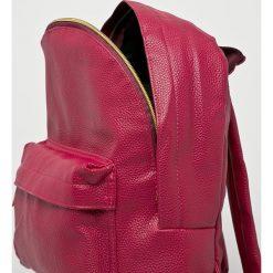 Mi-Pac - Plecak. Czerwone plecaki damskie Mi-Pac, z materiału. Za 199.90 zł.