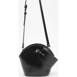 Torebka z ozdobnym uchwytem - Czarny. Czarne torebki do ręki damskie Reserved. Za 99.99 zł.