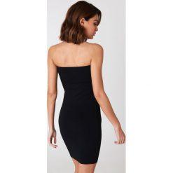 NA-KD Basic Sukienka bandeau basic - Black. Sukienki damskie NA-KD Basic. Za 60.95 zł.