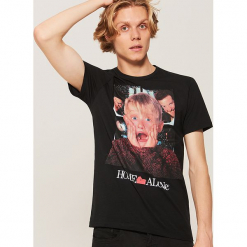 T-shirt Home Alone - Czarny. Czarne t-shirty męskie House. Za 49.99 zł.