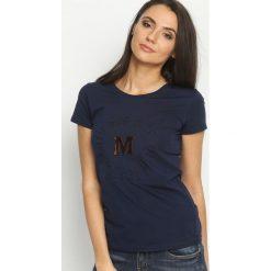 Granatowy T-shirt Madam Lady Chic. T-shirty damskie Born2be. Za 39.99 zł.