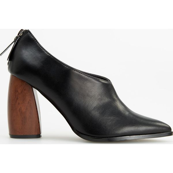 5c2285385d656 Wyprzedaż - obuwie damskie ze sklepu Reserved - Kolekcja lato 2019 -  Chillizet.pl