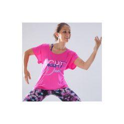 Koszulka do tańca krótki rękaw damska. Czerwone koszulki sportowe damskie DOMYOS, z elastanu, z dekoltem na plecach, z krótkim rękawem. Za 49.99 zł.