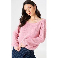 Josefin Ekström for NA-KD Krótki sweter z dzianiny - Pink. Różowe swetry damskie Josefin Ekström for NA-KD, z dzianiny. Za 161.95 zł.