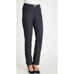 Eleganckie spodnie na kant QUIOSQUE. Szare spodnie materiałowe damskie QUIOSQUE. W wyprzedaży za 99.99 zł.